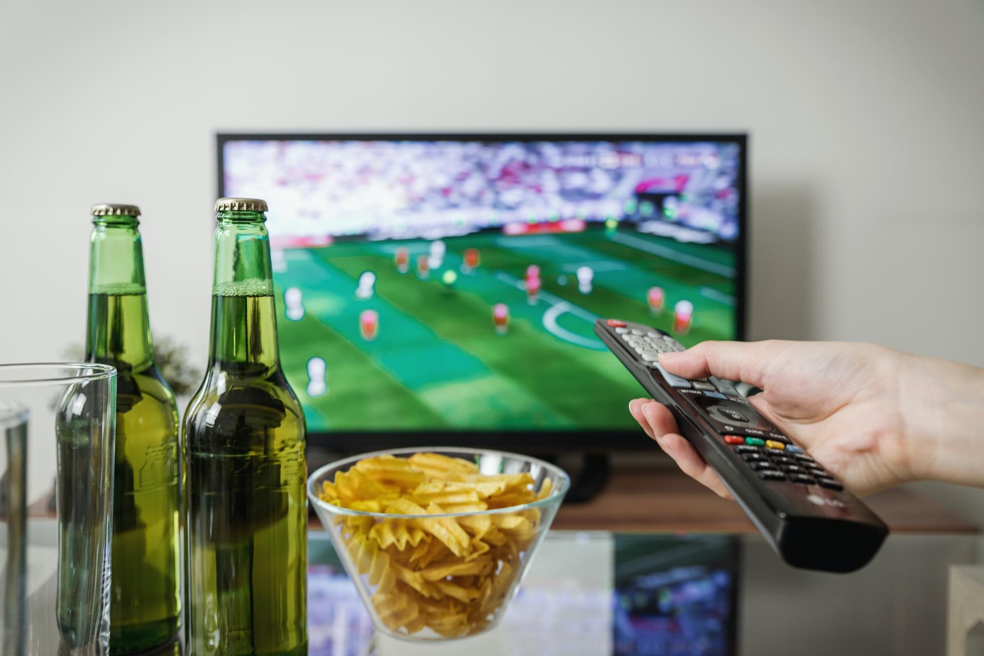 Creating the Ideal At Home Super Bowl Viewing Experience